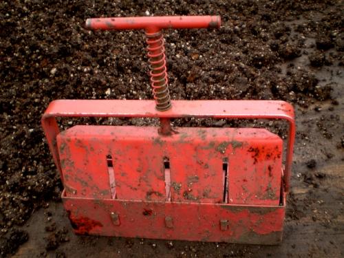 Making soil blocks little house on the urban prairie for Soil block maker