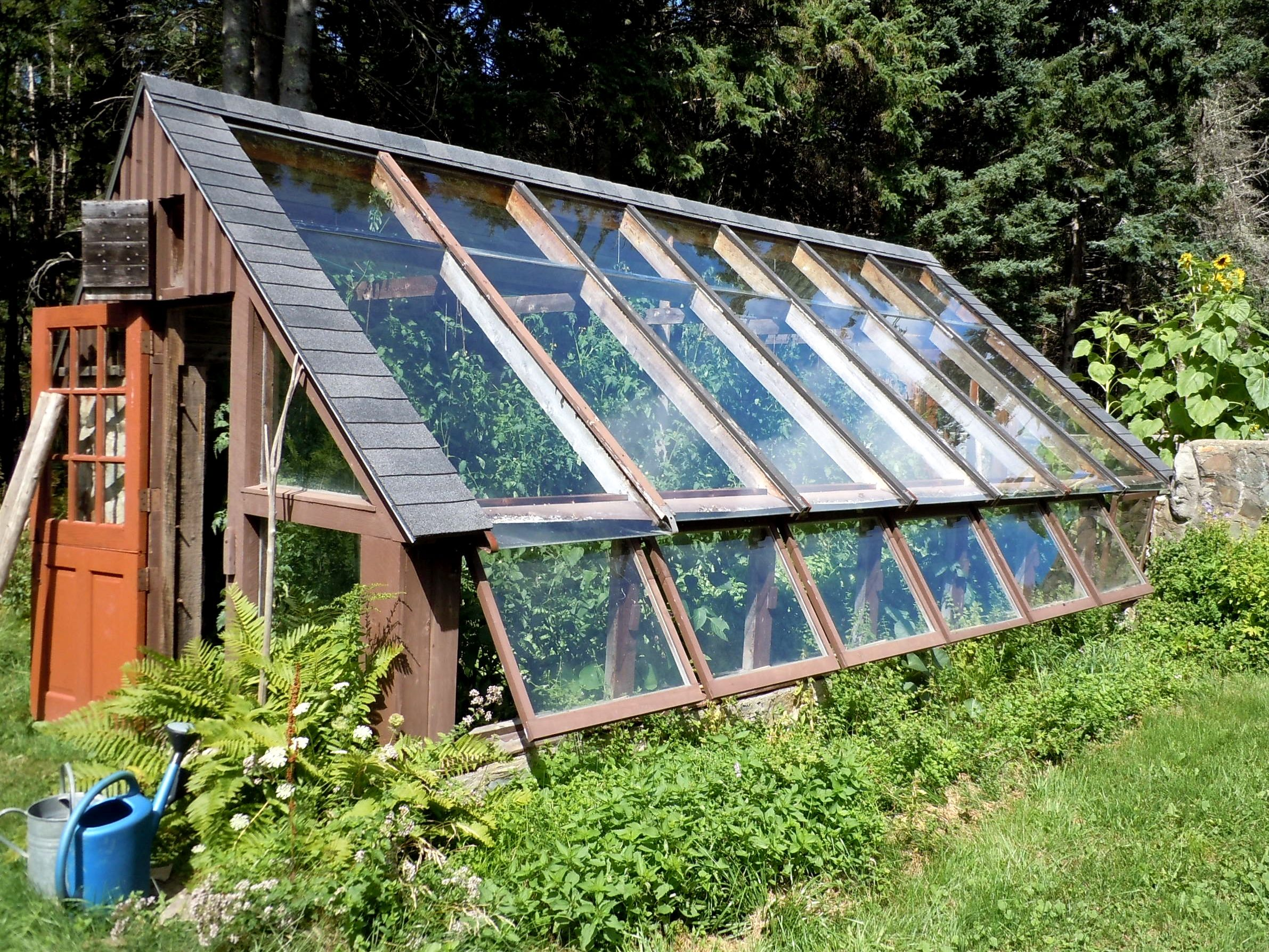 A visit to helen and scott nearing s little house on the for Home garden greenhouse design